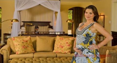 Flávia Alessandra grávida